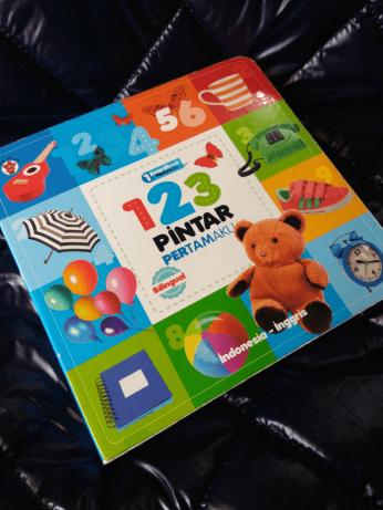 Gambar 1 - Cara mengajar anak TK berhitung pakai buku 123 Pintar Pertamaku oleh Cosmas Y PT Elex Media Komputindo