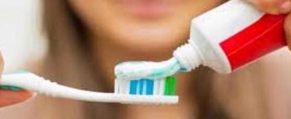 Hukum Menyikat Gigi Saat Puasa di Siang Hari