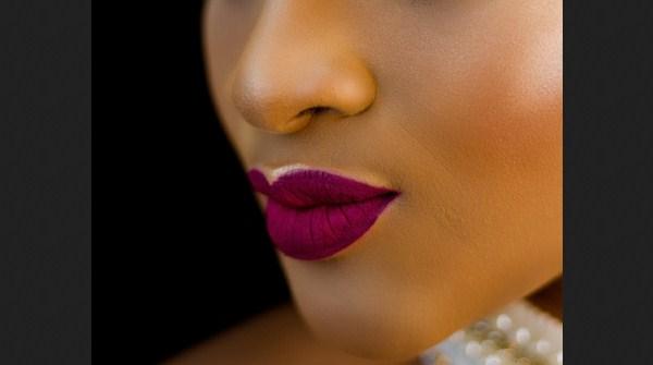 Warna Lipstik yang Cocok untuk Kulit Sawo Matang - Magenta