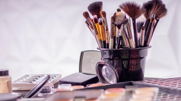 Kuas Make up
