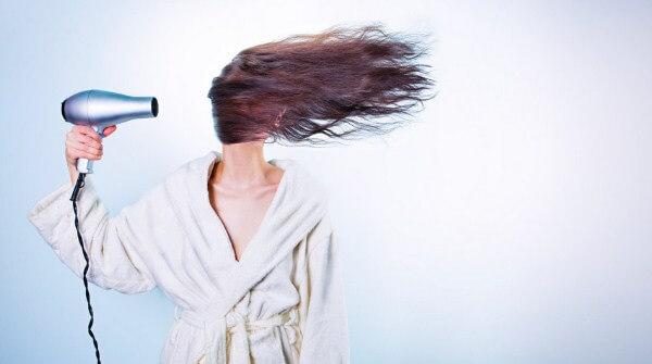 Manfaat Minyak Kelapa Buat Rambut Rusak