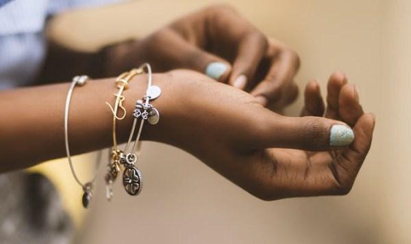Menentukan Skin Undertone dari Perhiasan