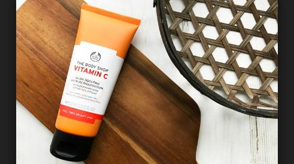 Mikrodermabrasi The Body Shop Vitamin C Glow Boosting Microdermabrasion