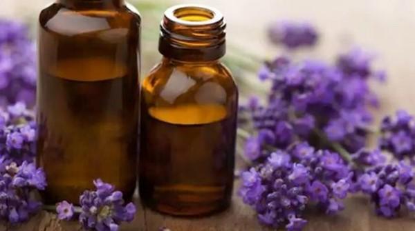 Semprotan wajah face mist lavender