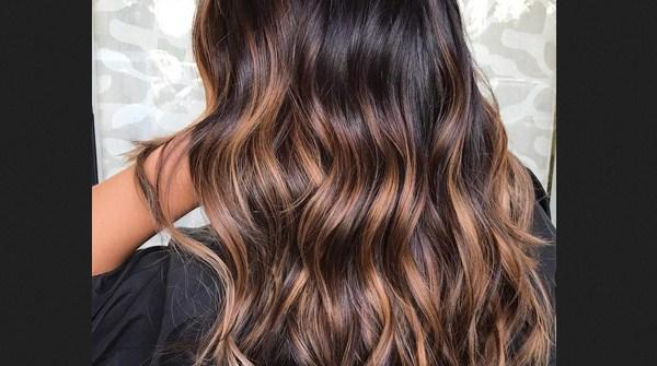 Warna rambut brunette untuk kulit sawo matang