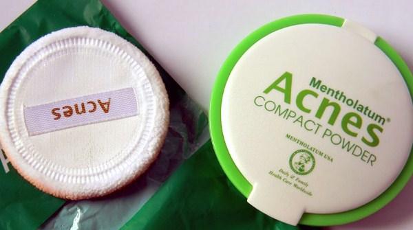 Bedak padat untuk kulit berminyak dan berjerawat - Acnes compact powder