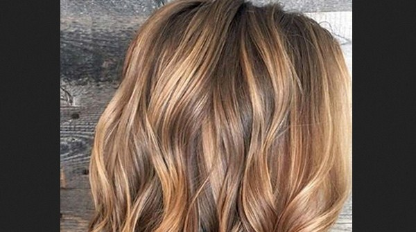 Trend Warna Rambut Pendek - Caramel
