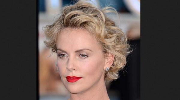 model potongan rambut keriting mengembang Classic curly bob