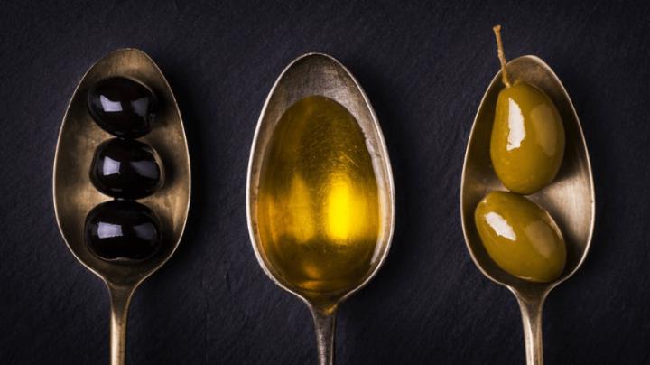 9 Review dan Harga Merk Minyak Zaitun untuk Wajah Terbaik